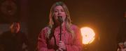 VIDEO: Kelly Clarkson Covers Watermelon Sugar Photo
