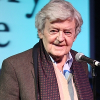 The Royal Alexandra Theatre to Dim Lights in Honor of Actor Hal Holbrook Photo
