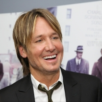 Keith Urban Performs Surprise Live Show at Drive-In Movie Theatre Photo