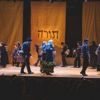 FIDDLER ON THE ROOF In Yiddish Cast To Release Video Singing 'God Bless America' In Y Photo