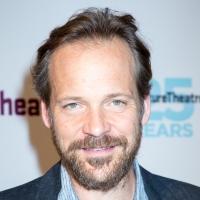 Peter Sarsgaard Joins DOPESICK Hulu Series Photo