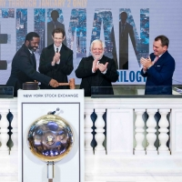 Photos: THE LEHMAN TRILOGY Cast Members Ring the Closing Bell at the New York Stock Exchan Photo