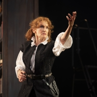 Photo Flash: A First Look At BERNHARDT/HAMLET At Goodman Theatre Photo