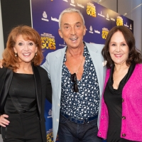 Photos: On the Blue Carpet for Opening Night of ANYTHING GOES Photos