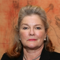 Kate Mulgrew Will Reprise Captain Janeway Role on STAR TREK: PRODIGY Photo