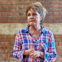 Photo Flash: Go Inside Rehearsals for TALKING HEADS Starring Jan Ravens and Julia Wat Photo