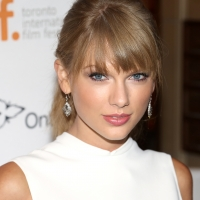 Taylor Swift'sFolkloreTops Billboard 200 For The Second Week in a Row Photo