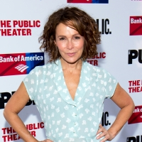 Jennifer Grey Will Star In and Executive Produce DIRTY DANCING Sequel Photo
