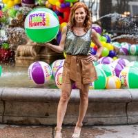 Photos: CLUELESS Star Elisa Donovan Surprises the Crowd at Bryant Park Movie Nights Photo