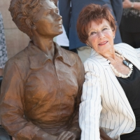 Photos: Hometown Theater Honors Marion Ross With Bronze Statue Photo