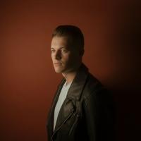 Country Newcomer Brady Lee Releases 'Liquorish' Photo