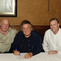 Don McLean Inks Recording Deal With Time Life Photo