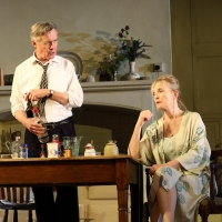 BWW Review: HANSARD, National Theatre