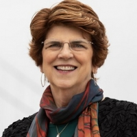 Young Women's Choral Projects Founding Director Susan McMane To Retire Photo