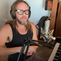 VIDEO: Tim Minchin Performs His New Song 'I'll Take Lonely Tonight' Photo
