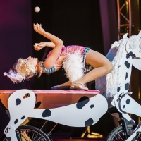 "BWW Review: Cirque Mechanics' 42FT�""A MENAGERIE OF MECHANICAL MARVELS is  Small In Size But Big On Personality"