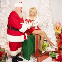 Dolly Parton Releases 'A Holly Dolly Christmas' Photo