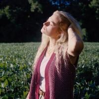 CASSIDY KING Shares Acoustic Version of 'Safe Places' Photo