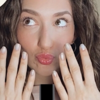 VIDEO: Get a Stage-Ready Mani on The Dressing Room with Jamie Glickman! Photo