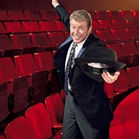 BWW SPECIAL: Felicidades, Michael Crawford Photo