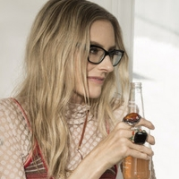 Aimee Mann to Release 20th Anniversary Expanded Edition of 'Bachelor No. 2' Photo