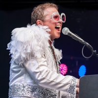 BWW Review: Kenny Metcalf Rocks the El Portal in the Ultimate Elton John Tribute Show