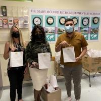 The Kravis Center Provides 550 Disney Kids Craft Kits to 11 Palm Beach County Title 1 Elem Photo