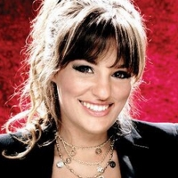 Violinist Nicola Benedetti To Highlight Return Of English Symphony Orchestra To Assem Photo