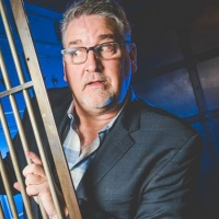 BWW Review: PAT HAZELL'S PERMANENT RECORD at Des Moines Performing Arts Photo