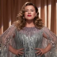 Kelly Clarkson Announces New Christmas Single 'Christmas Isn't Cancelled (Just You)' Photo