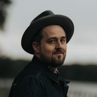 Seth Glier Releases New Single 'Somebody Break My Heart' Photo