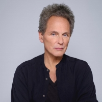Lindsey Buckingham Announces First Solo Album in a Decade Photo