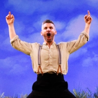 BWW Review: STONES IN HIS POCKETS, Theatre Royal Brighton Photo