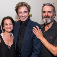 Photo Flash: Barry Manilow Visits FIDDLER ON THE ROOF IN YIDDISH Photo