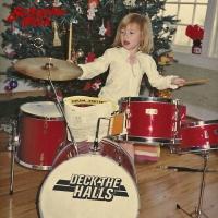 Schuyler Fisk Releases 'Deck the Halls' Single Photo