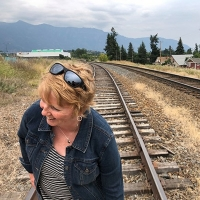 "Folk-Pop Artist Kele Fleming Sings Through Seismic Life Shifts In ""Me Oh My"" Photo"