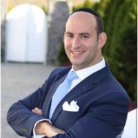 Wine Expert Gabriel Geller of ROYAL WINE Gives Tips for Rosh Hashana Selections Photo
