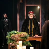 BWW Review: BAROQUE CAROLS, AND HUNGER FOR THE CROWN, IS THE ORIGIN STORY OF CHRISTMA Photo