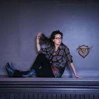 Award-Winning Singer/Songwriter Carmen Braden Releases 'Kick Kick' Ahead Of New Album Photo