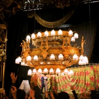 Video: THE PHANTOM OF THE OPERA Chandelier Takes Flight Once More Photo