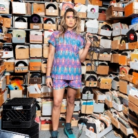 BWW Interview: Vivek Shraya on HOW TO FAIL AS A POPSTAR's Journey From the Stage to t Photo