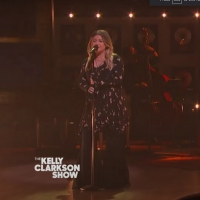 VIDEO: Kelly Clarkson Covers 'Sin Wagon' Photo
