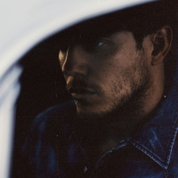 Anderson East Shares New Single 'Hood Of My Car' Photo