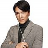 Hong Kong Philharmonic Orchestra, Conductor Lio Kuokman, and Cellist Trey Lee Will Pe Photo