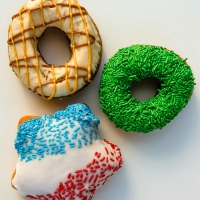 Broadway San Jose Partners with Psycho Donuts on HAMILTON-Themed Donuts Photo