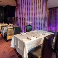 BWW Review: UN PLAZA GRILL for Casually Elegant, Delightful Dining Photo