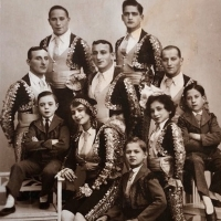 Thrilling and Tragic Stories of Jewish Circus Artists and Owners Before World War II Comin Photo