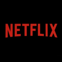 Dan Levy Signs New Film Deal With Netflix to Write & Produce Photo
