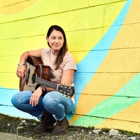 """Beth Snapp's Inspiring New Single """"Higher Love"""" Finds Hope On The Horizon Photo"""