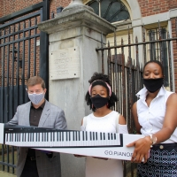 Jacobs Music Company Donates Keyboard To Settlement Music School Students Photo